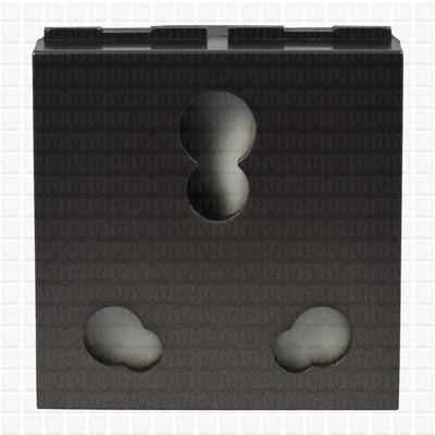 GM Magnesia Socket 16 Amp